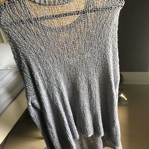Knitted grey sweater, barely used, long fit